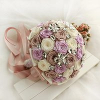 accord themes - According to the wedding theme custom jewelry crystal pearl brooches the bride and the bridesmaid Wedding bouquet