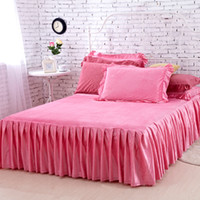 Wholesale Factory Direct Sale Bedding Sets New Carmine Velvet Bed Skirt High Quality Winter Warm Bedspreads Twin Full Queen Size Fitted Sheet