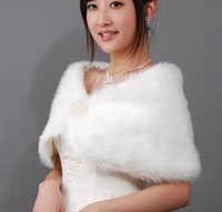 Wholesale New Bridal Pearl Long Fur Wedding Fur Wrap Cape Shawl Jackets Coat Wrap Tippet High Quality
