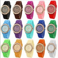 Casual quartz crystal - 2015 Colorful Fashion Shadow Geneva Crystal Diamond Jelly Rubber Silicone Watch Unisex Men s Women s Quartz Candy Watches Gold wristwatch