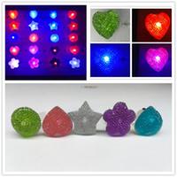 Nouveau doigt réglable Led Ring Crystal Round Heart Flowers Stars Ring Light Up Flashing Glow Flash Ring Party Disco 80pcs / lot Livraison gratuite