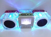 Mini Altavoz TT-028 LED Crystal Altavoces portátiles FM TF del disco de U Pantalla LCD Subwoofer para el iPhone 4S 6 Plus 5 MP4 MP3 Reproductor de música