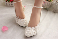 Wholesale Pearls and Lace Wedding Shoes cm High Heel Bridal Shoes Sweet Comfortable Bridesmaid Prom Party Shoes with Pearls Anklets