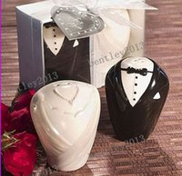 Wholesale Good quality wedding gifts and souvenirs for guest bride and groom ceramic salt and pepper shaker