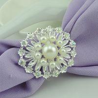 Wholesale 30pcs Shinning Pearls Flower Style Napkin Rings Rhinestone Tabkeware Wrapper Holders Wedding Christmas Anniversary Supplies wa157