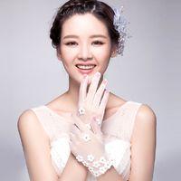 Wholesale 2015 New Fashion Designer Shine Wedding Bridal White Flowers Crystal Rhinestone Gloves Hand Bracelet Wedding Accessories