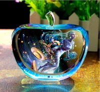 Wholesale Exquisite gift dream the zodiac crystal apple home furnishing articles birthday gifts valentine s day gift