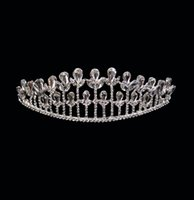 Wholesale Cheap Crystals Bridal Tiaras Crowns Wedding Jewelry Plant Shape Girls Evening Prom Homecoming Party Shining Tiaras Hair Accessories