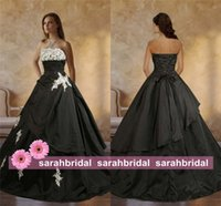 red and black wedding dresses - 2015 Fall Winter Wedding Dresses Strapless Vintage Gothic Black and White Victorian A Line Ball Bridal Gowns Corset Plus Size Lace Vestidos