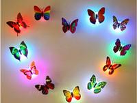 2017 luces del LED que brillan intensamente luz de la noche de la mariposa RGB LED hermosa y romántica en noche 100000 horas de vida con el paquete al por menor