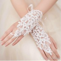 fingerless lace bridal gloves - 2015 New Arrival Cheap In Stock Lace Appliques Beads Fingerless Wrist Length With Ribbon Bridal Gloves Wedding Accessories