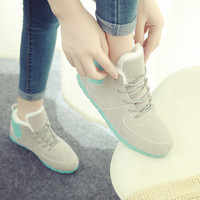 Wholesale Lell Lyle winter Korean tidal flat casual lace Ms Duantong new spell color flat snow boots women