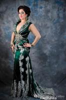 Cheap Green Arabic Kaftan Evening Dresses V-Neck Long Sleeves Applique Lace Satin Abaya Dubai Floor-Length A-Line Formal Prom Party Gowns LX