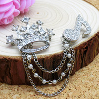 Wholesale Korean fashion personality men and women suit decorations British crown diamond brooch pin high end