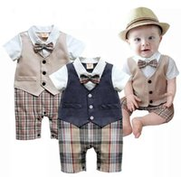 Cheap Newborn Boys Romper Short sleeve gentleman Bow tie baby rompers boys jumpsuits infant clothes Baby One-Piece Romper Y146