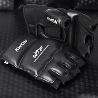Wholesale Boxing MMA Kick Punching Gloves Boxeo Half Fighting Boxing Gloves Equipment Extension Wrist Leather Boxing Gloves Sports Gear T0311