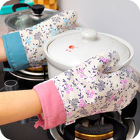 Wholesale cotton Brown and White Plaid Simple Beautiful Kitchen Oven Mitts Oven Gloves TOP105