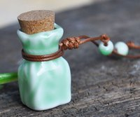 Wholesale Blue and White Porcelain Mini Bottle for Perfume Wishing Bottle Ceramics Pendant Necklace ml Car hang decoration Ceramic essence oil Perf