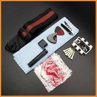 Juego de cuerdas de guitarra acústica 9 en 1 Pitch Pipe Tuner Picks Plectrum Case Strap Pin Capo Pinza de cuerda Winder Kit de trapo de limpieza