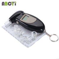 Gros-noir KeyChain rétroéclairage LCD alcool testeur Alcoholimetro Portatil alcotester alcootest numérique avec 5 embout Retail Box