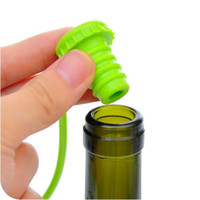 Wholesale New Kitchen Anti lost Silicone Hanging Button Seasoning Beer Wine Cork Stopper Plug Bottle Cap Cover Perfect Home Kitchen Tools