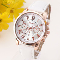 Revisiones Los mejores relojes de moda de calidad-El reloj de cuero de la NUEVA de la calidad de Ginebra del reloj del platino de las mujeres del reloj ocasional de la PU viste el regalo del oro de las señoras del reloj de la manera Romano