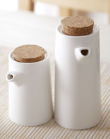 Wholesale Spot minimalist set of two white ceramic bottle with a cork vinegar soy sauce bulk soy sauce pot set of two