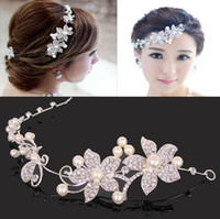 Wholesale Classic Wedding Bridal Hair Tiaras Fancy Pearls Handmade Flowers Sparkly Crystal Wedding Tiaras Hair Accessory