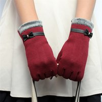 Wholesale Durable Top High Quality New Fashion Women Winter Warm Wrist Screen Touch Gloves For Ladies Girls