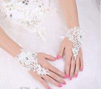 Wholesale 2017 bridal gloves white wrist fingered gloves wedding glove elegant bridal rhinestone glooves Bridal Accessories