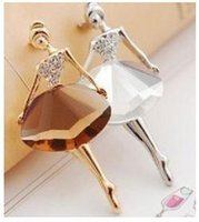 Women's ballet brooches - coffee Korean jewelry Ballet Girl Fashion Brooch Woman Luxurious Paragraph fashion