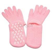 Wholesale Hand Care SPA Gloves with Socks Whiten Skin Moisturizing Treatment Gel Anti Slip Exfoliating Gloves and Socks Rejuvenation Set