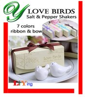 Wholesale Love Birds Ceramic Salt and Pepper Shaker set wedding favors gifts colorful ribbons Seasoning pots romantic decoration Condiment containers