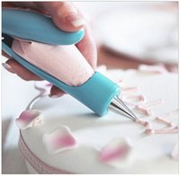 Wholesale New Arrival Plastic Practical Cake Decorating Icing Piping Tool Nozzles Icing Bag Cake Tools factory supplies