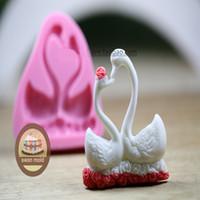 Wholesale Silicone Swan Lovers Chocolate Mold Fondant Mold DIY Baking Mould Wedding Decoration Fondant Cake Decorating Tool Clay Soap Mold