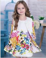 achat en gros de filles robe style manteau-2015 Enfants Vêtements marque Baby Girl Set Vêtements de haute qualité Baby Kids Floral imprimé Dobby coton Kids Tracksuit (Coat + robe) 3T-8T