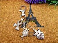 10pcs / lot Porte-clés Antique tricot d'argent reine Écharpe en bandelettes, charme Ribbon charme de porte-clés en argent