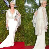 Wholesale Celebrity Red Carpet Dresses Tony Awards Helen Mirren Gorgeous Evening Gowns Mermaid Lace Long Sleeves Beaded Mother of the Bride Dress