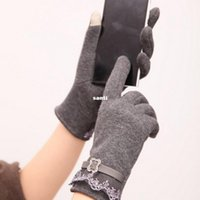Wholesale Touch Screen Gloves Ladies Men Use Device While Keeping Hands Warm