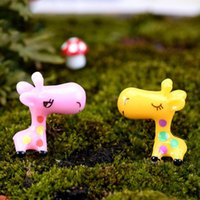 Wholesale 2 x cm Cartoon Miniature Giraffe Shape Garden Doll Landscape Decoration DIY Garden House Ornament