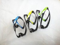 Wholesale Bicycle Water Bottles Holder Carbon Fiber Material Bike Bottle Cages Large Capacity Water Bottles Cages Colors