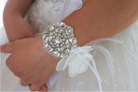 Wholesale Korean bride wrist flower handmade custom rhinestone feather flowers wedding bridesmaid sisters wrist flower DIY
