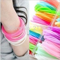 Wholesale 100pcs Colorful Fluorescence hand circle Night Shining Silicone wristband bracelets Rubber bands colors mixed for