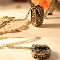 clothing store - Clothing Accessories Retro Style Pendants Necklaces Jewelry Store Vintage Topshop Carved Metal Bags Necklace