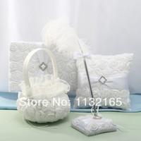 mariage en gros-Unique favorise blanc conception roses de plumes Livre d'or Pen Set Anneau Oreiller Flower Basket