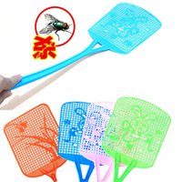 Wholesale Hot Plastic Fly Pest Mosquito Long Handle Swatter Racket Handy Bug Insect Killer Swatter Home Protector Tools