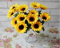 Wholesale Single simulation sunflower silk flowers Artificial flowers sitting room adornment Put the flower art TH005