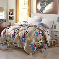 Wholesale Super soft flannel Autumn and winter mickey mouse pattern quilt comfort feather quilts winter blanket bedding set