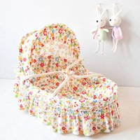 Wholesale Fast Delivery Portable Hand held Basket Handmade Corn Bran Woven Bassinet Baby Carrycot High Quality Baby Bed Colors
