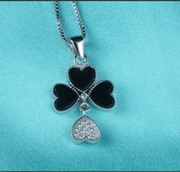 Wholesale New Fashion High Quality Sterling Silver Luxury Clavicle Chain Clover Black Onyx Pendant Hypoallergenic Charms Rhinestone Gift
